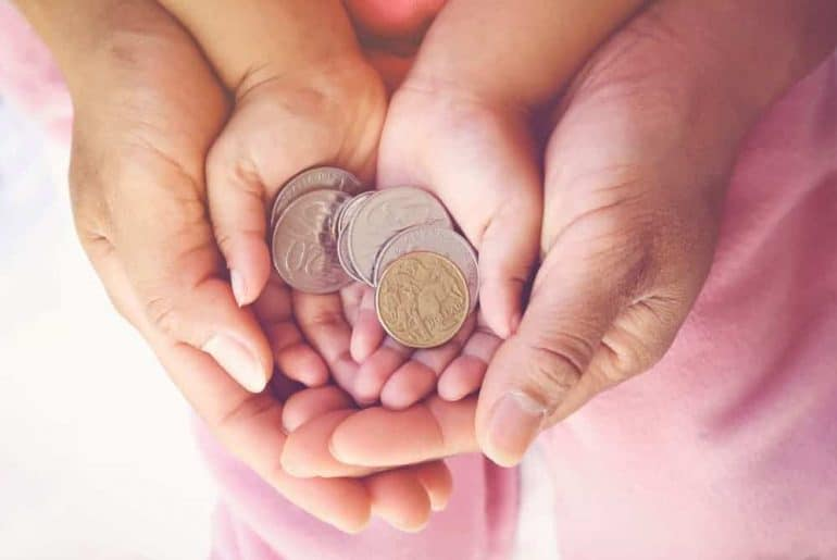 Simply Mumma_How to Teach Kids About Money