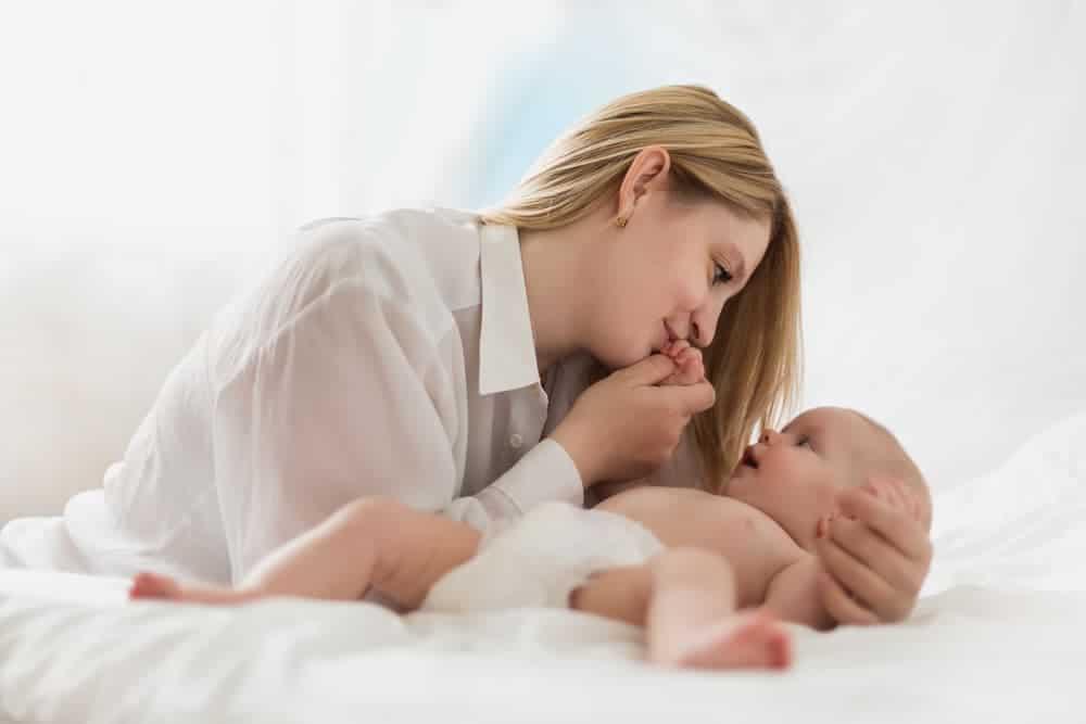 Simply Mumma_How to Start Bonding with Newborns