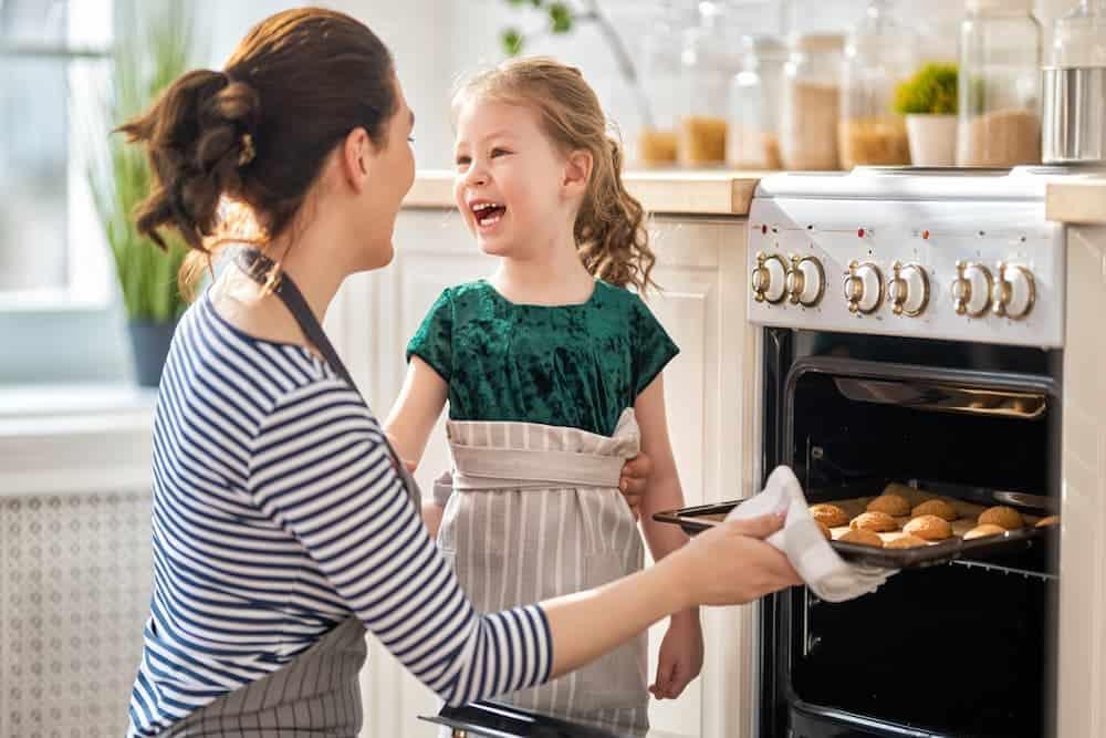 Simply Mumma_Bake to Stay Warm Indoors